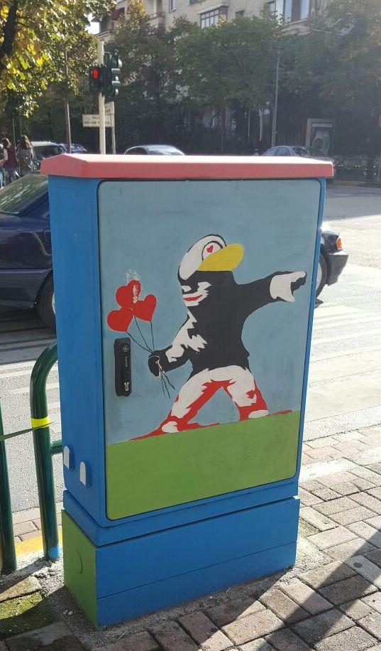 Arti në kabinat e Telekomunikacionit