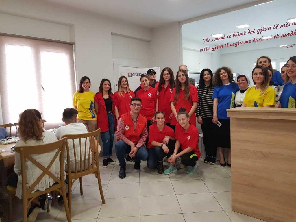 Credins Bank mbështet Kryqin e Kuq